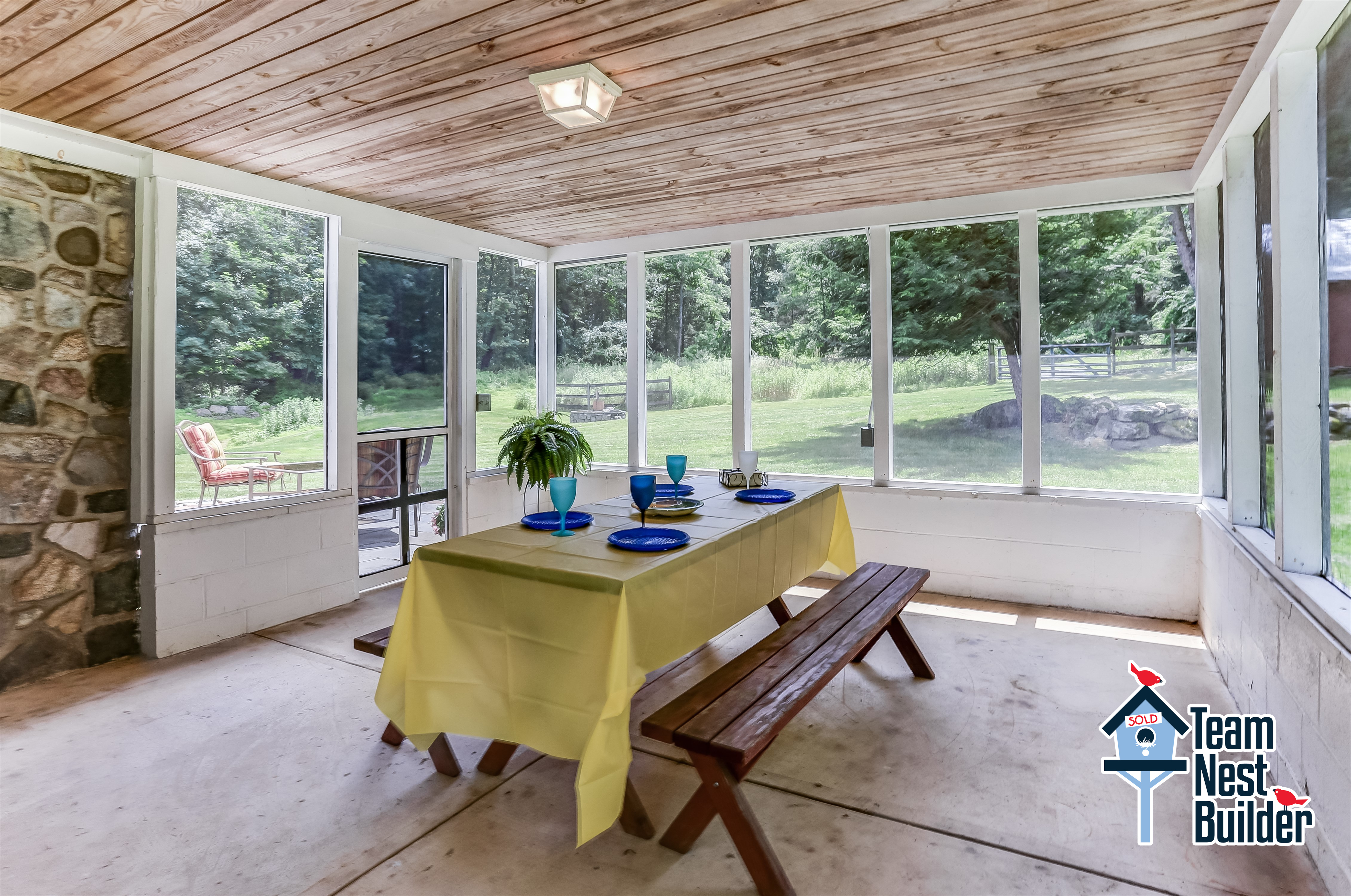 Enjoy entertaining in your screened-in porch