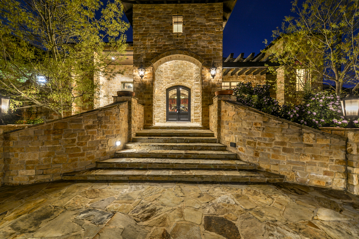 Top San Antonio Luxury Realtor Mario Hesles