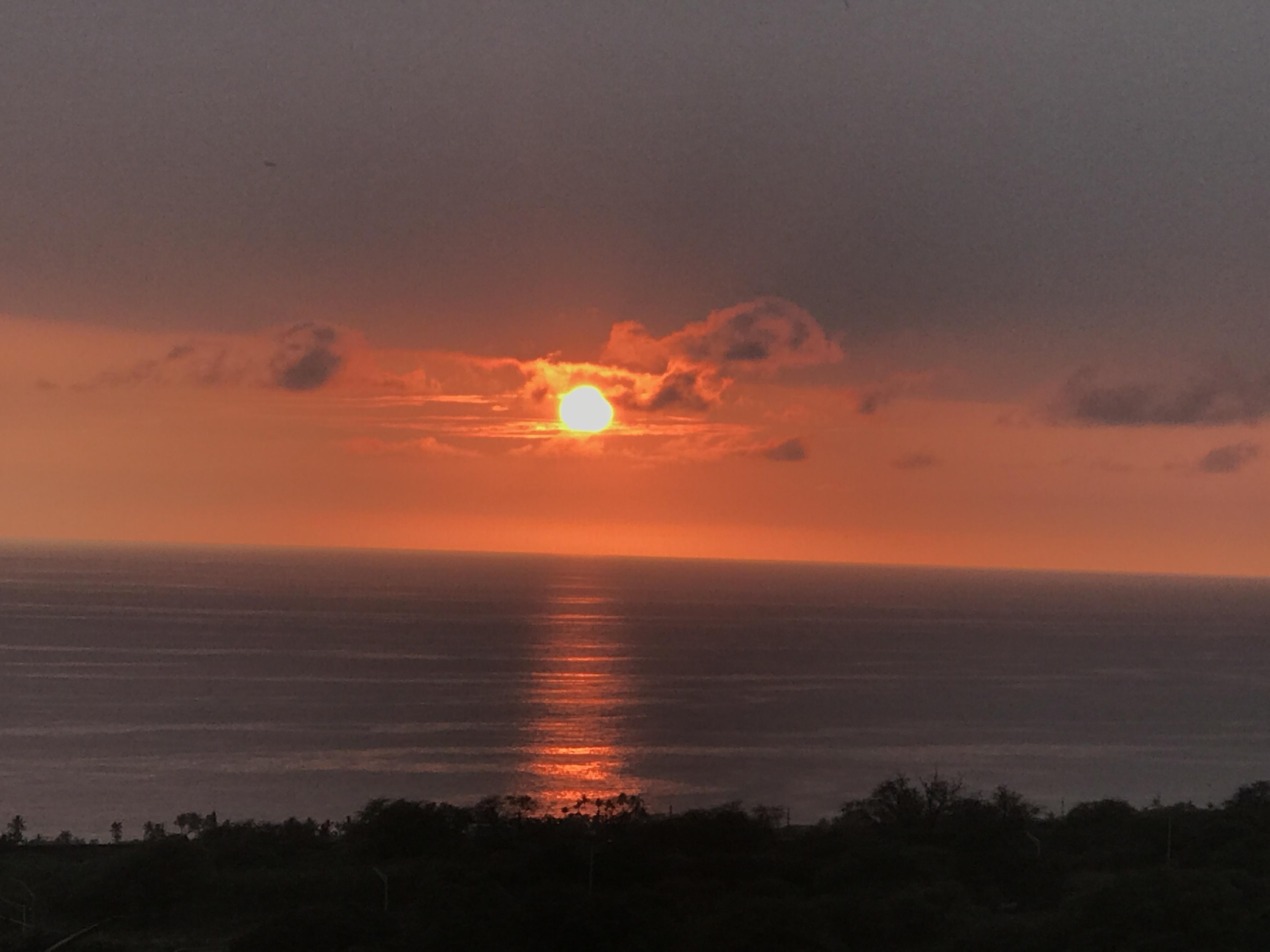 Sunset colors in Kona skies, Kailua Kona, HI.