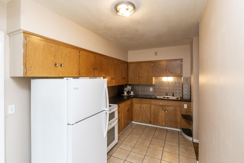 Unit 1 Kitchen, 1013 9th St NE  Rochester, MN 55906
