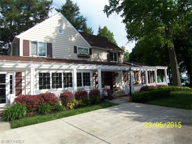 Image titlehttp://www.gdavis.russellrealty.com/property/192-3726413-30912-Lake-Rd-Bay-Village-OH-44140