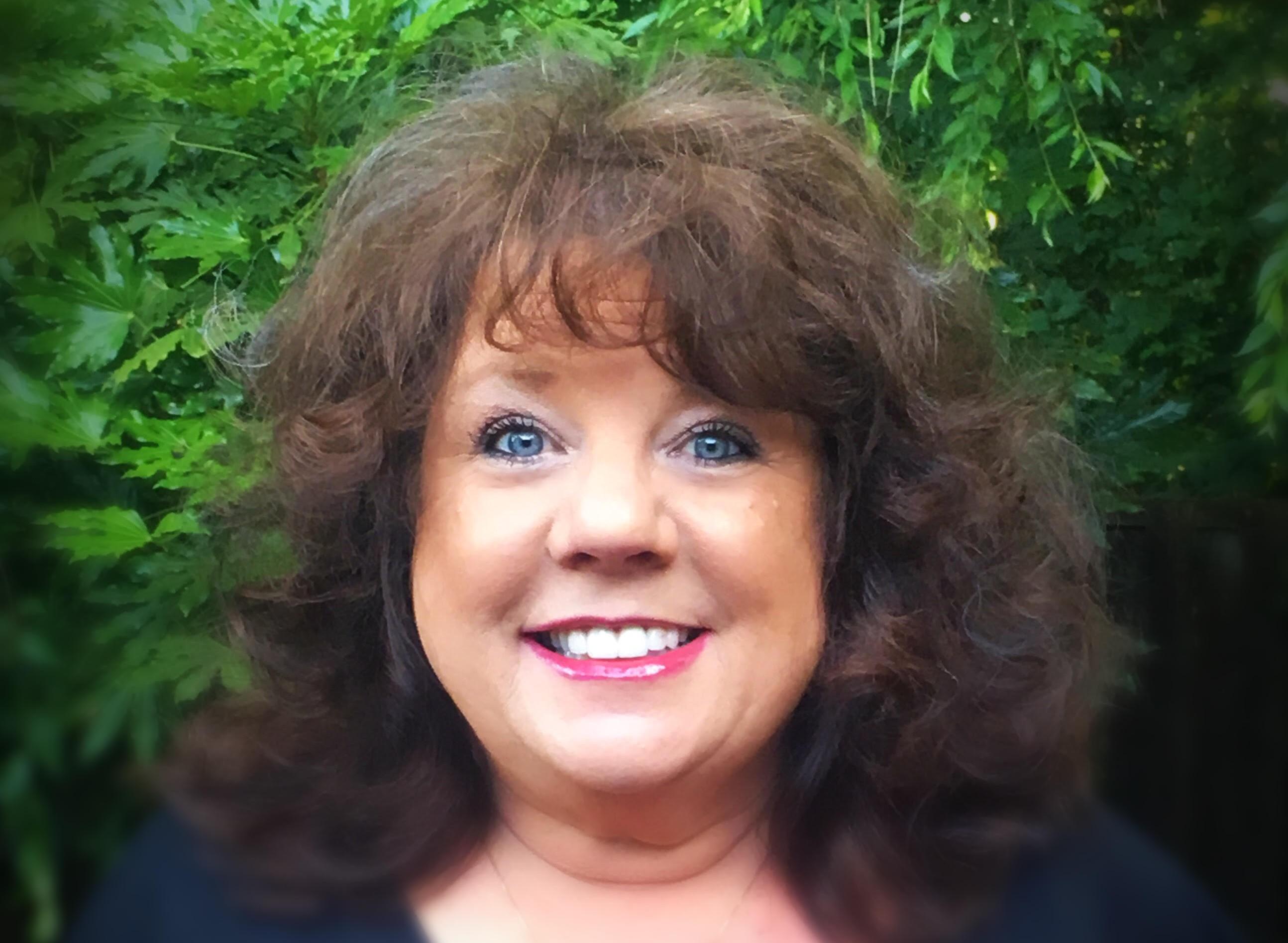 Debbie Lynne