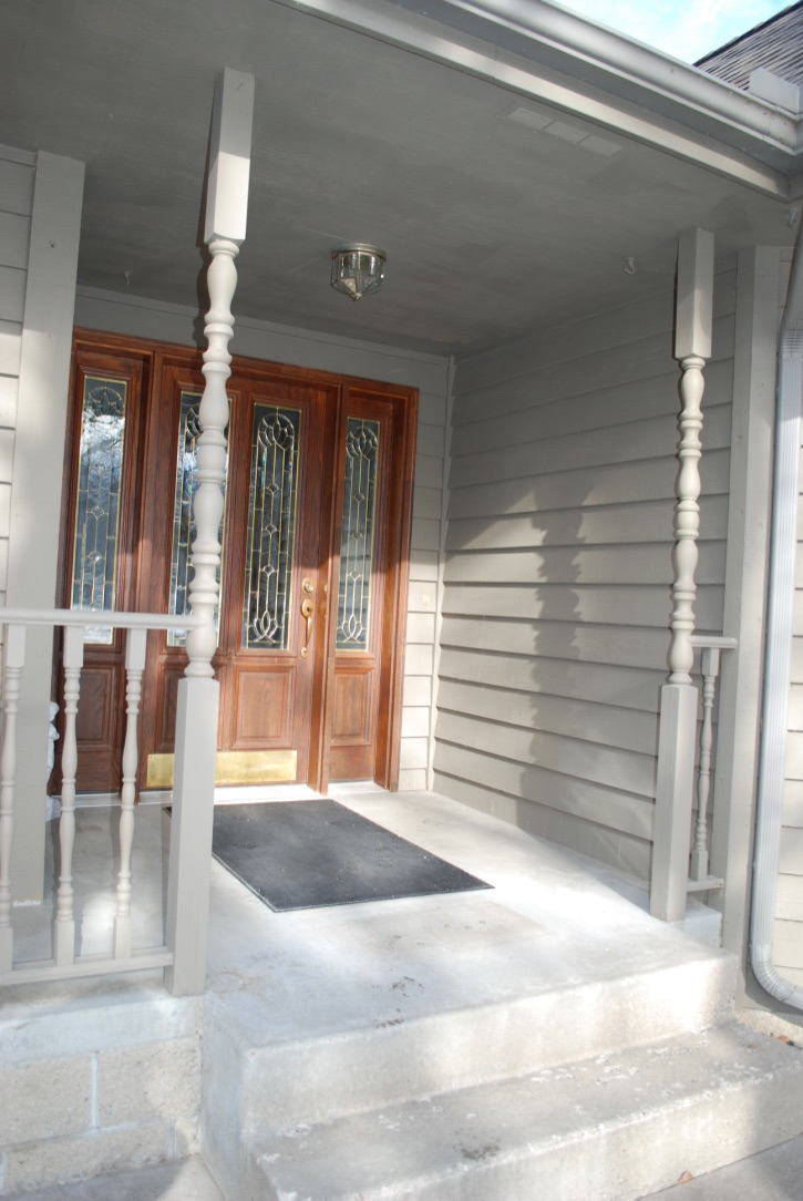 Clean Front Entry