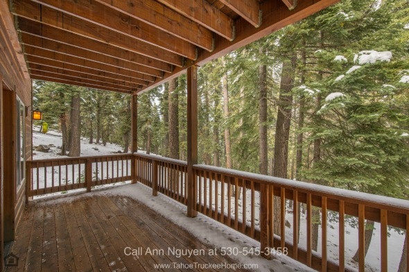 Real Estate Properties for Sale in Tahoe Donner CA - Enjoy al fresco dining every day on the fantastic back deck of this Tahoe Donner home for sale.