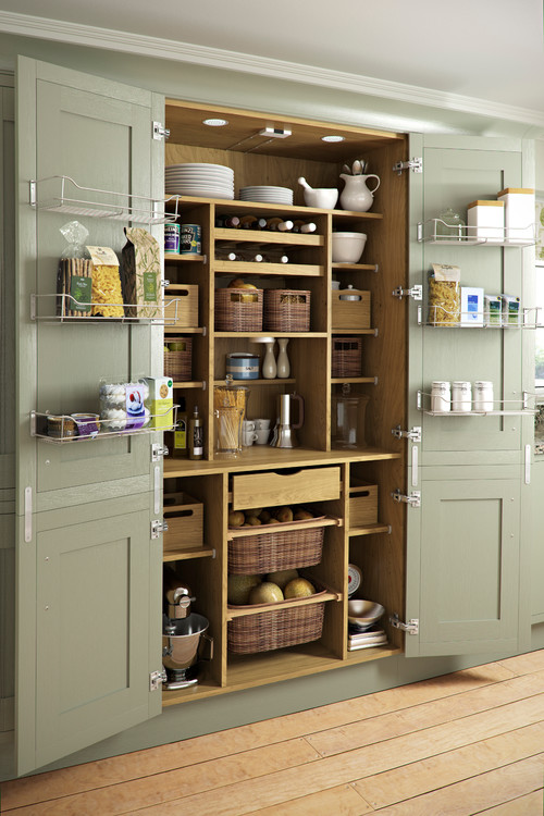 Photo by Holme Design – Look for kitchen pictures