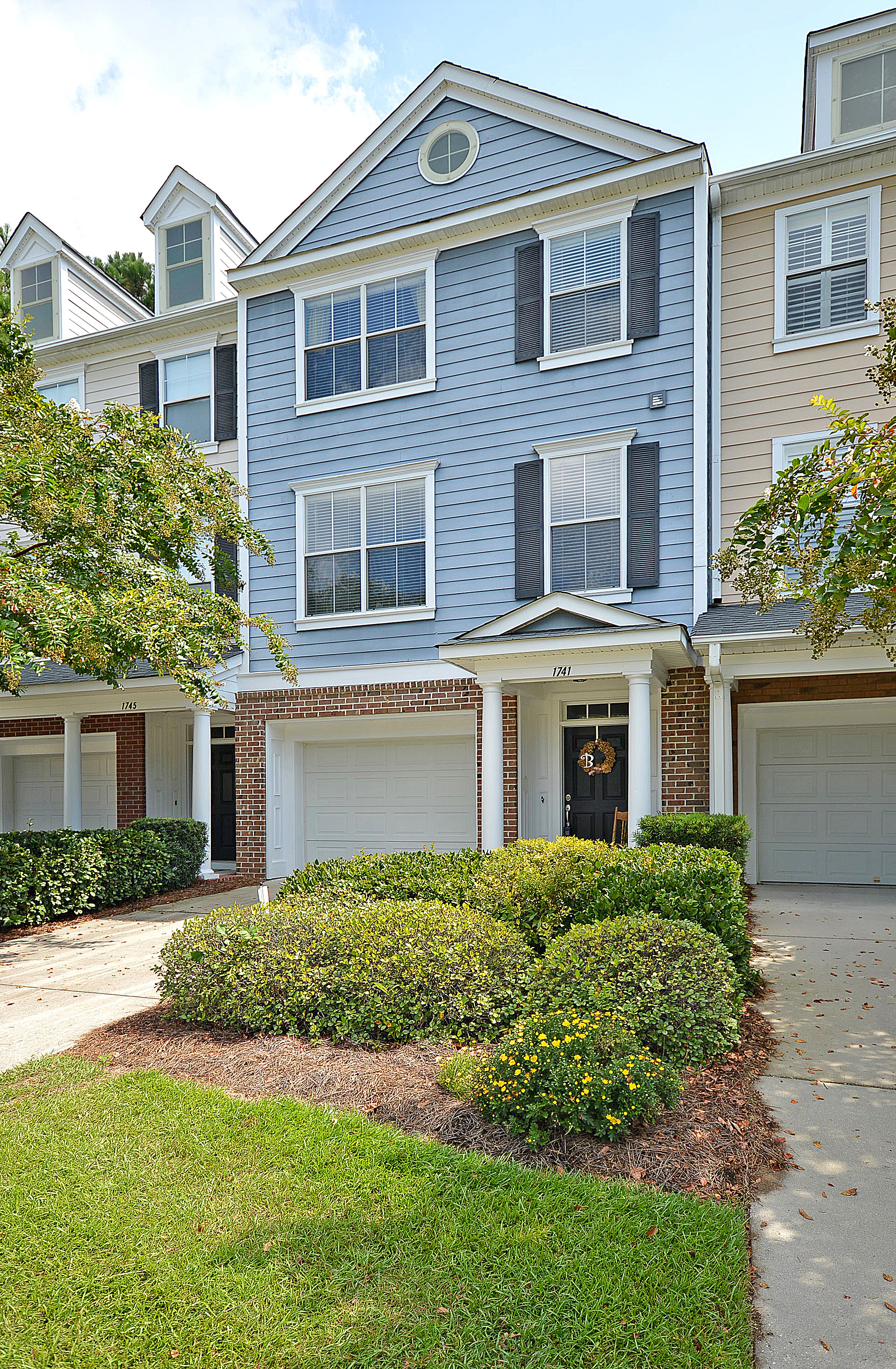Lovely Condo In Mt Pleasant With Pool And Boat Ramp