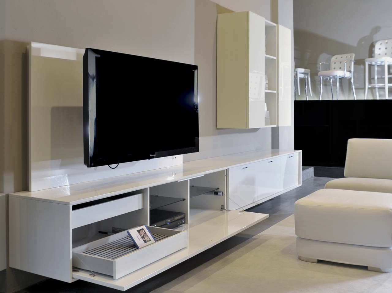 Remodeling by going modular - Mueble televisor ikea ...
