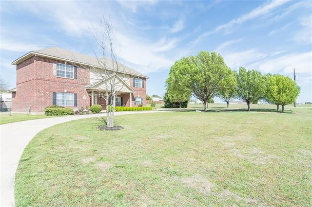 1.78 acres, 4 bedroom Home in <a href='http://jennifer.haloagent.com/index.php?types[]=1&types[]=2&areas[]=city:Prosper&beds=0&baths=0&min=0&max=100000000&map=0&quick=1&submit=Search' title='Search Properties in Prosper'>Prosper</a>, Texas