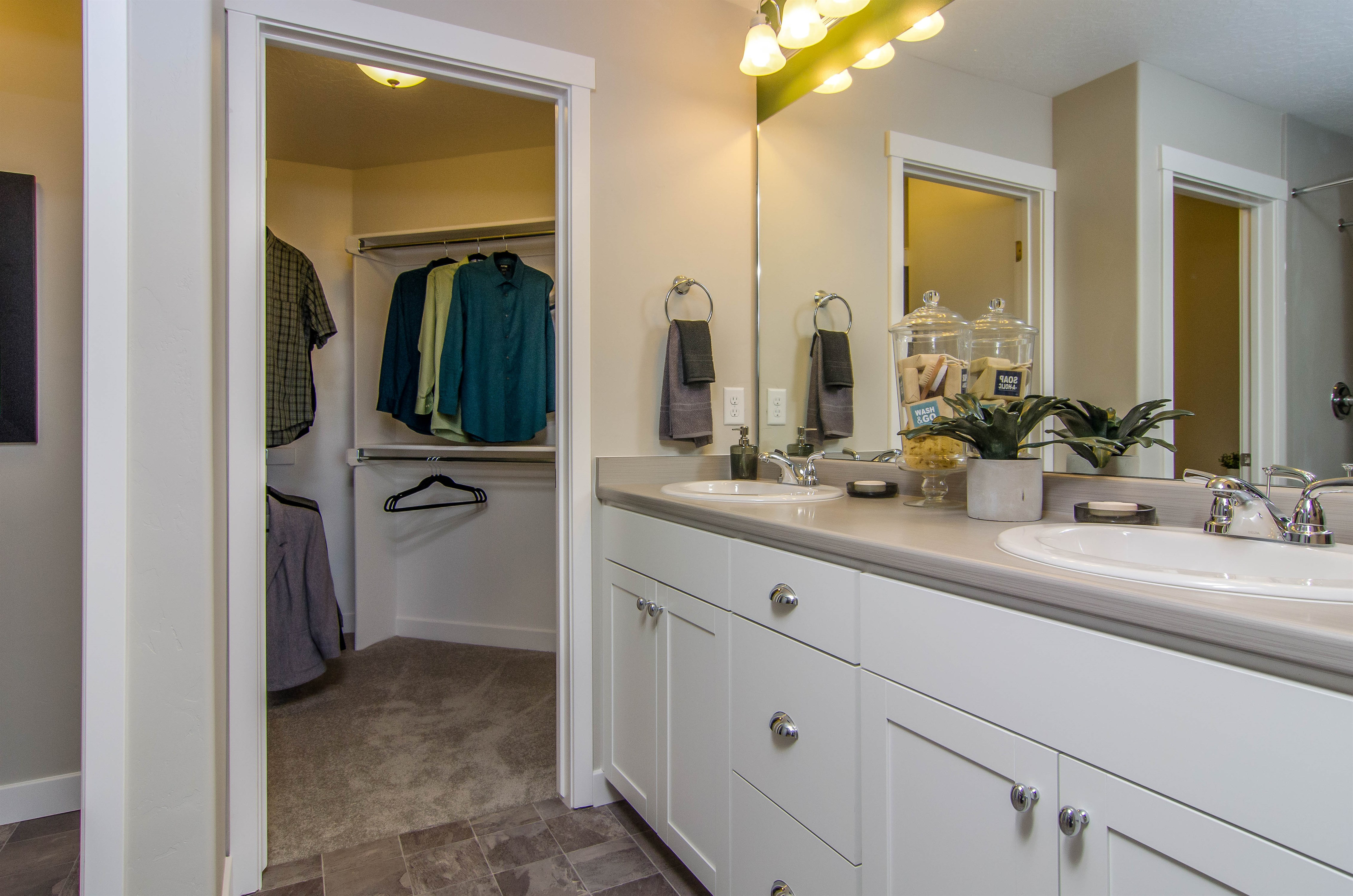 Oakwood Town Homes Master Bath