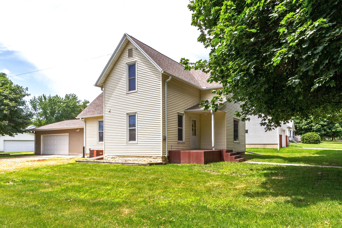 Home for sale 105 Olive Street West Concord MN