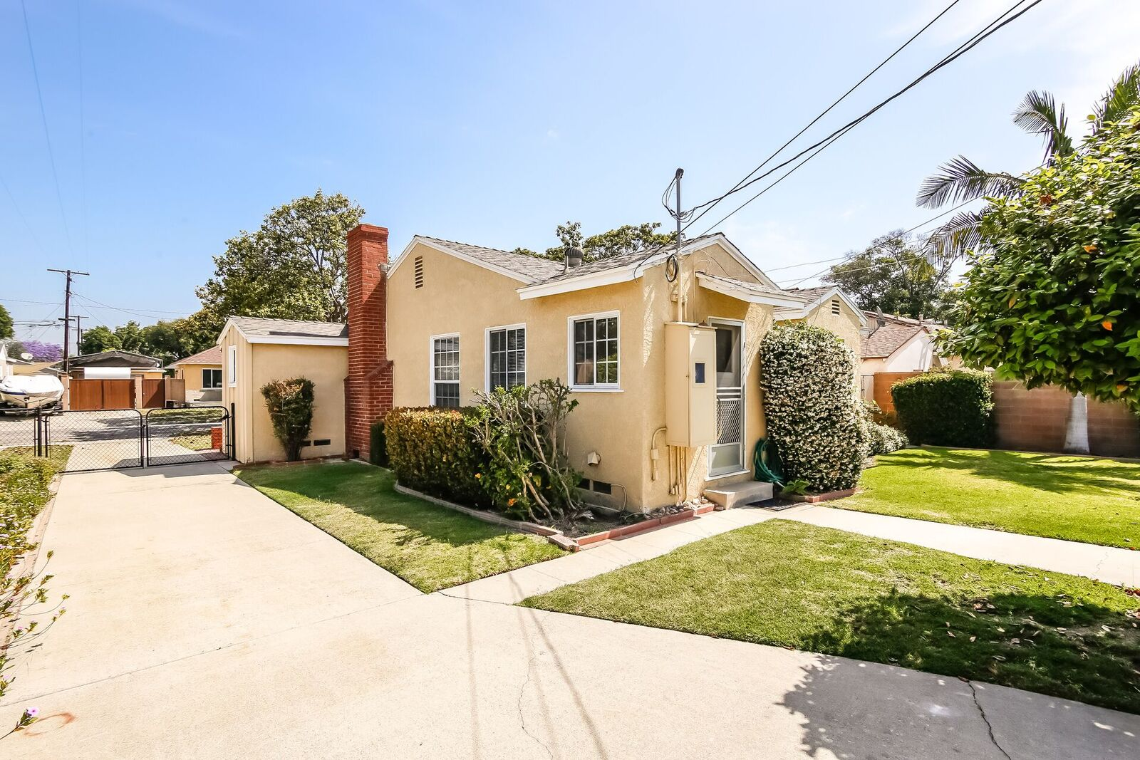 5346 East Walkerton Street for Sale in Long Beach