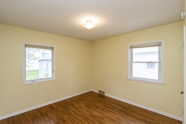 Unit 2 Bedroom, 1013 9th St NE  Rochester, MN 55906