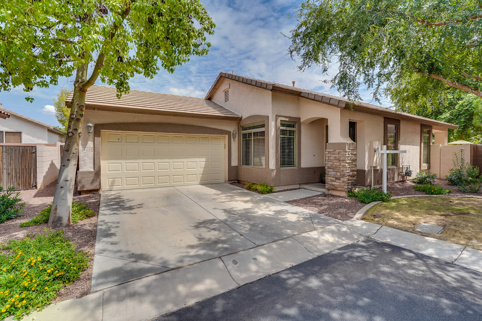 1225 S ROGER WAY <a href='https://vic.freeagentproperties.com/index.php?types[]=1&types[]=2&areas[]=city:Chandler&beds=0&baths=0&min=0&max=100000000&map=0&quick=1&submit=Search' title='Search Properties in Chandler'>Chandler</a> AZ 85286