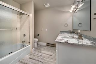 Crescent Rim Condo Bathroom
