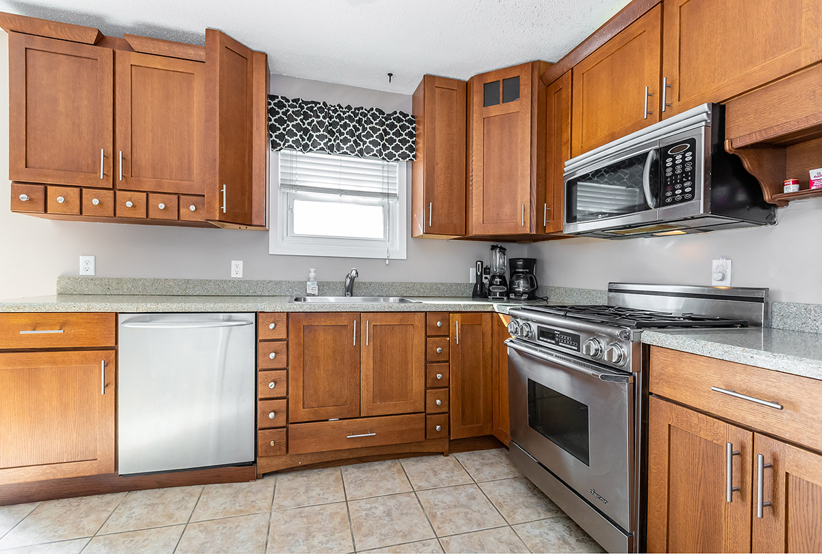 3705 willow heights dr SW rochester - kitchen