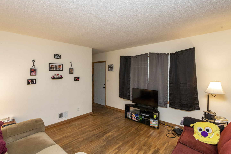 Unit 2 Living Room, 1013 9th St NE  Rochester, MN 55906