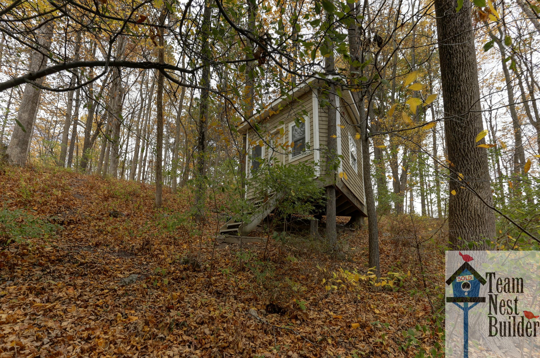 4 Lambert Treehouse