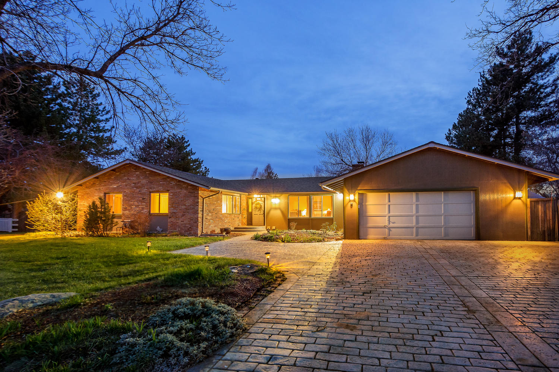 2132 W. Ridge Rd. Littleton, CO listed by Jason Peck 720-446-6301