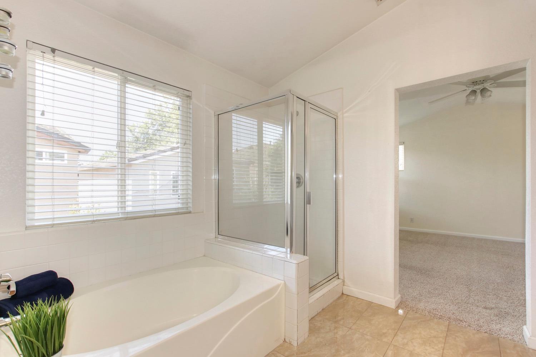 1015 San Gallo Ter Davis Master Bath 2