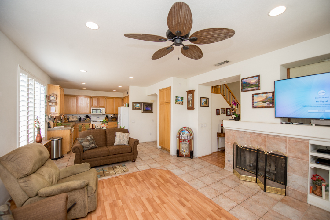 1027 La Marillo Circle - interior view