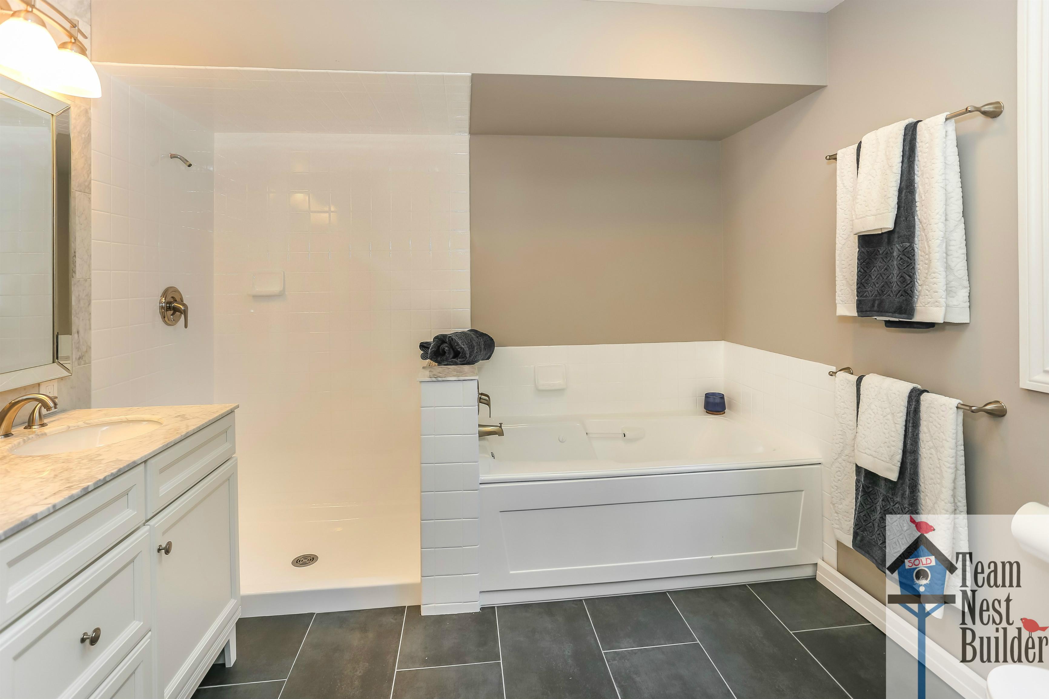 Master Bathroom 12 Gristmill Sparta Greentree Village