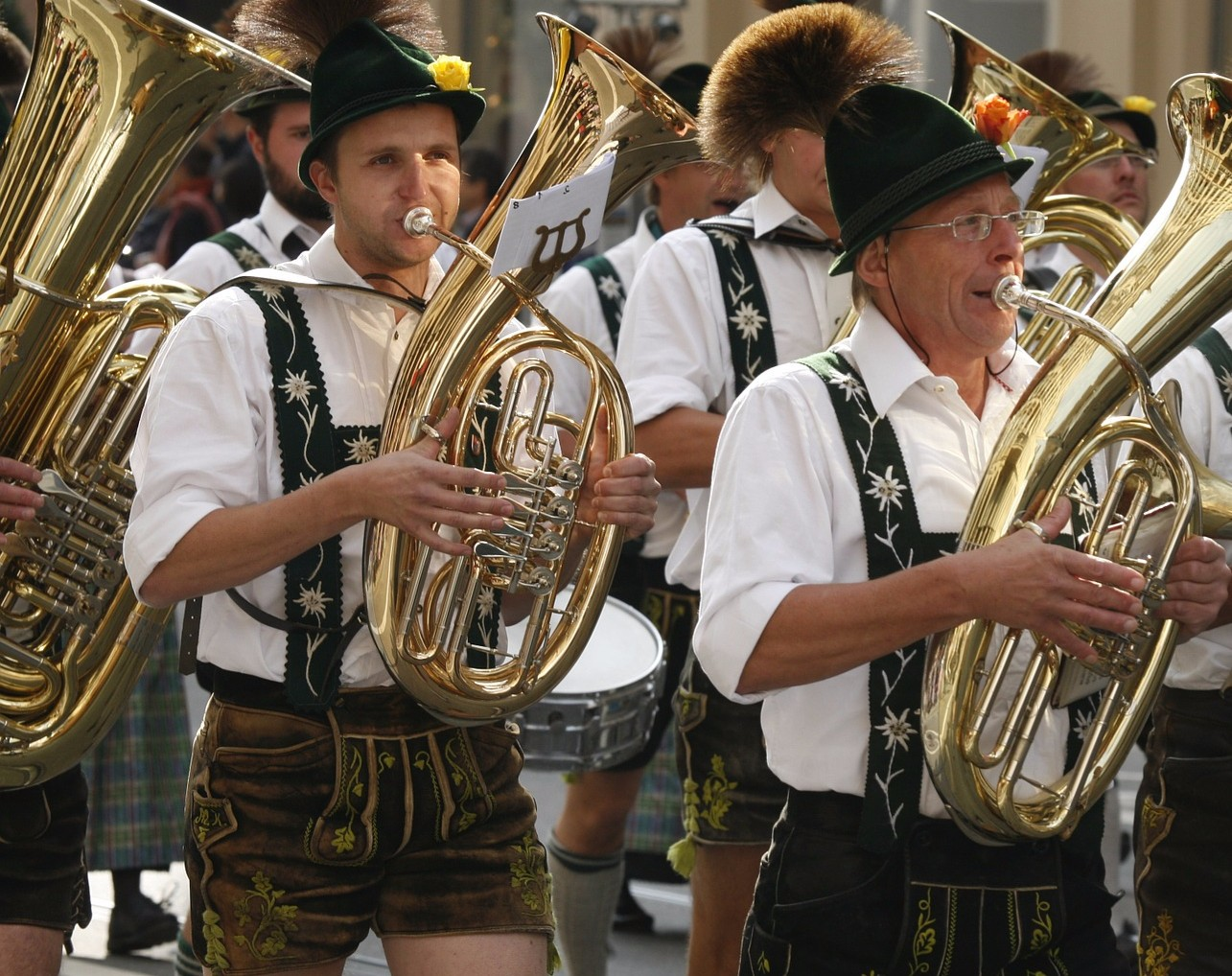 OOM-PA-PA your day away at an Oktoberfest in Northern New Jersey!