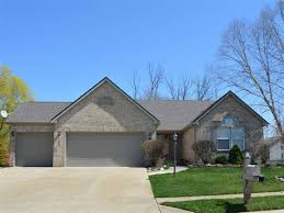 3 car garages in Liberty Twp