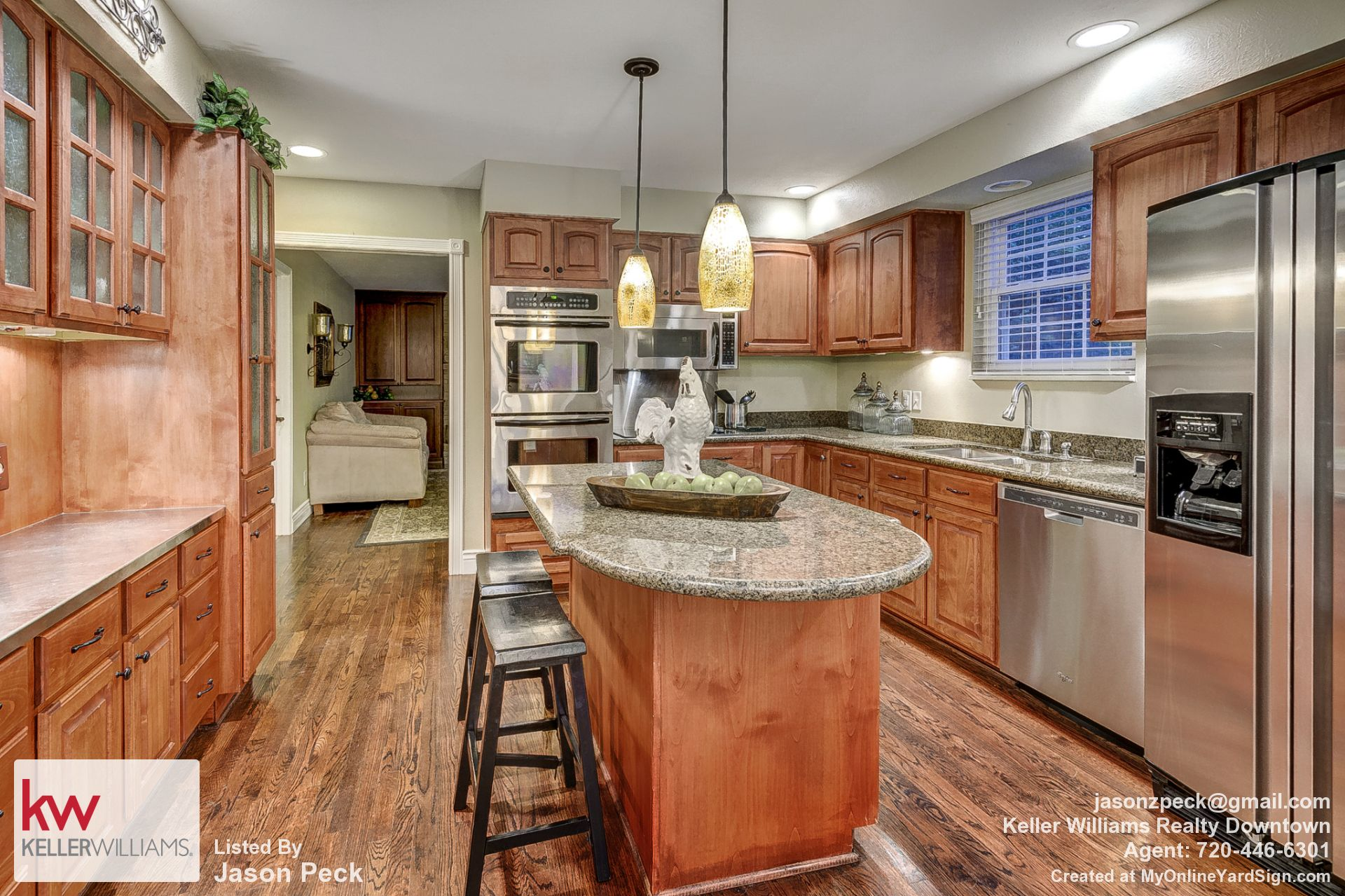 Remodeled Kitchen Top of the line appliances