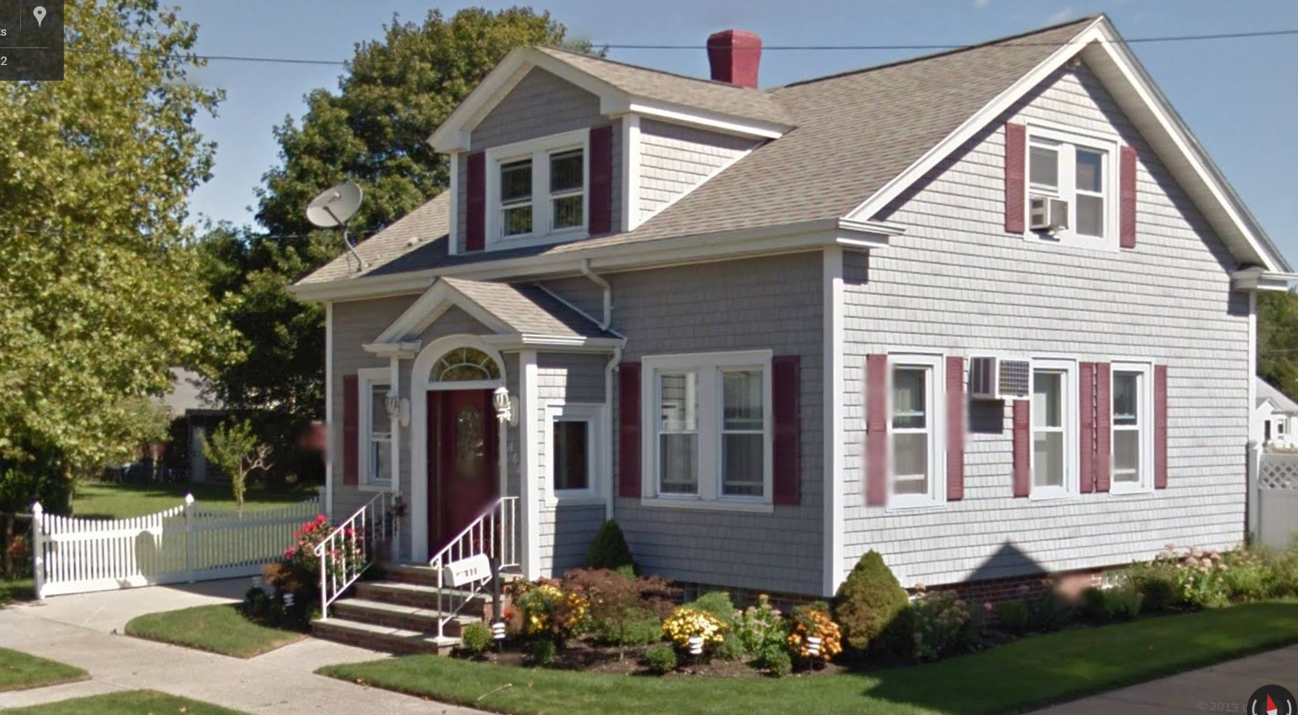 464 Rockdale Ave <a href='http://susanwhitehead.masspropertyvalues.com/index.php?types[]=1&types[]=2&areas[]=city:New Bedford&beds=0&baths=0&min=0&max=100000000&map=0&sortby=listings.listingdate DESC&quick=1&submit=Search' title='Search Properties in New Bedford'>New Bedford</a> MA 02740