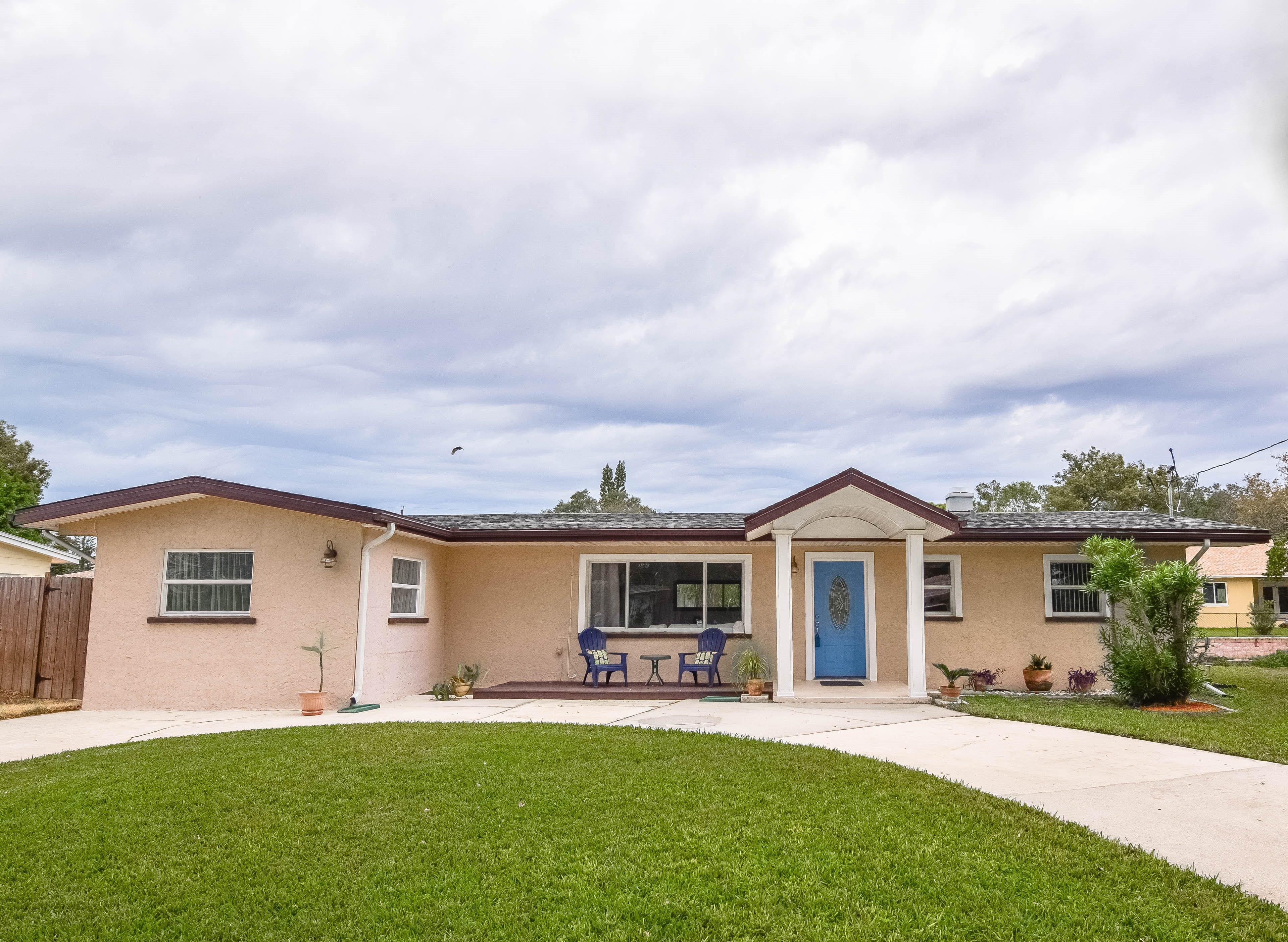 . Updated 4 Bedroom Home For Sale In St Petersburg FL