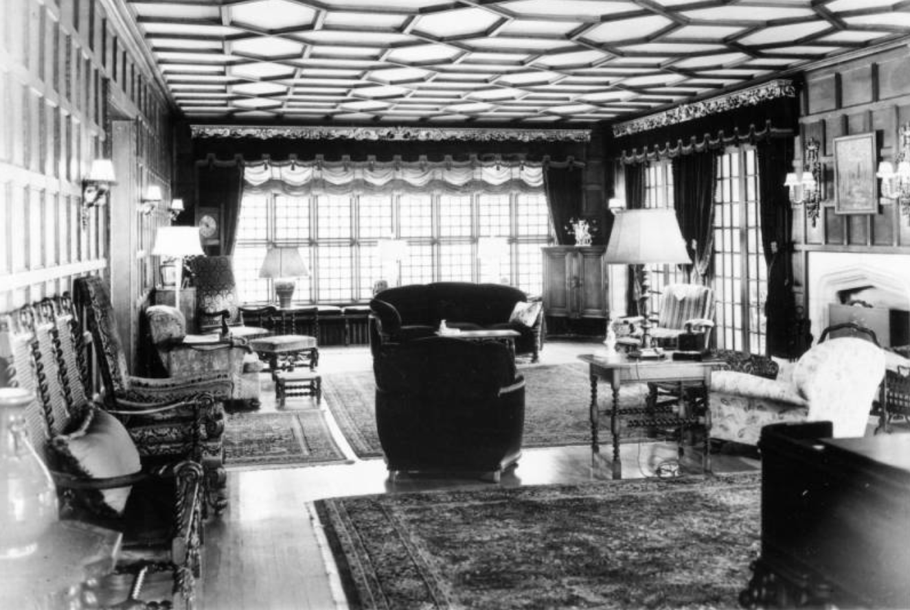 The great drawing room is called by experts one of the finest examples of Elizabethan interior architecture in U. S. 1948
