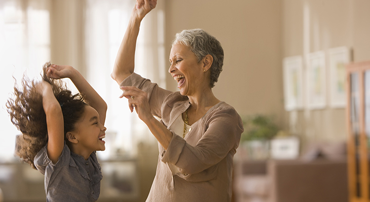 5 Reasons to Consider Living in a Multigenerational Home | MyKCM