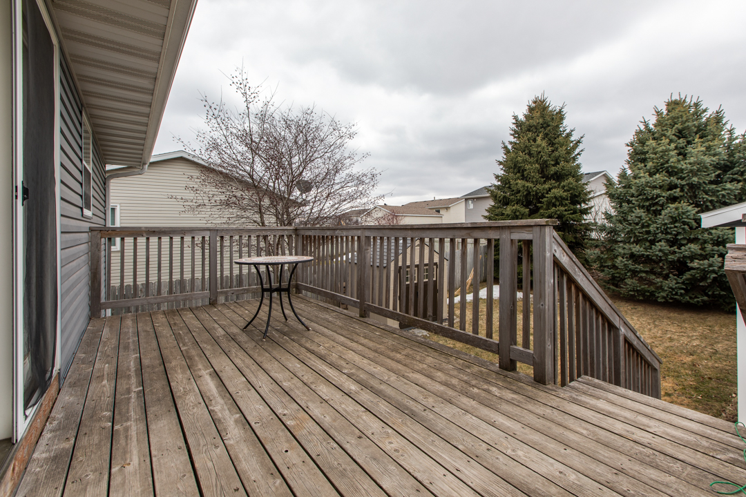 Deck 4402 10th Street NW Rochester MN 55901