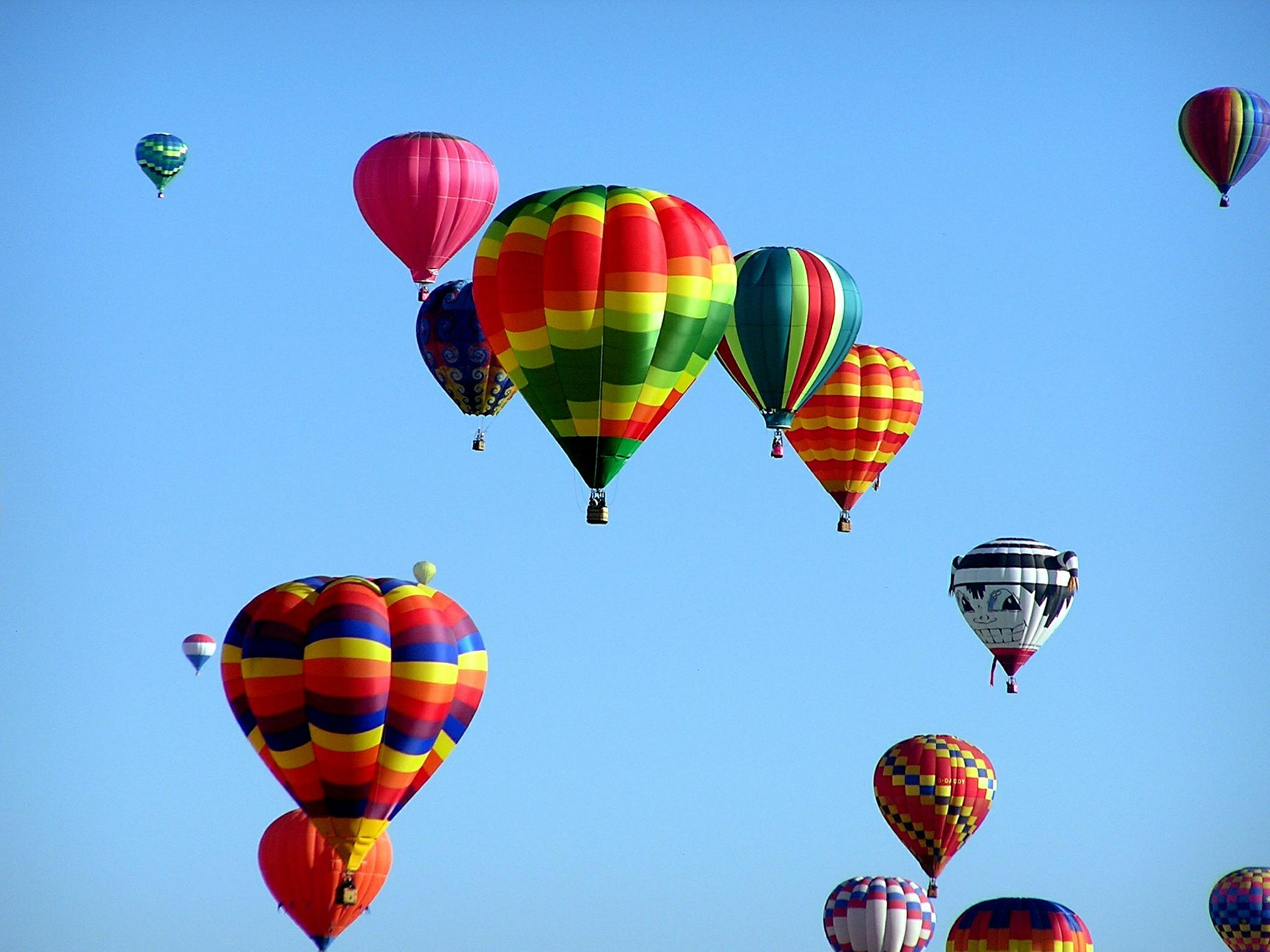 Nightly hot air balloon launches! (Weather permitting)