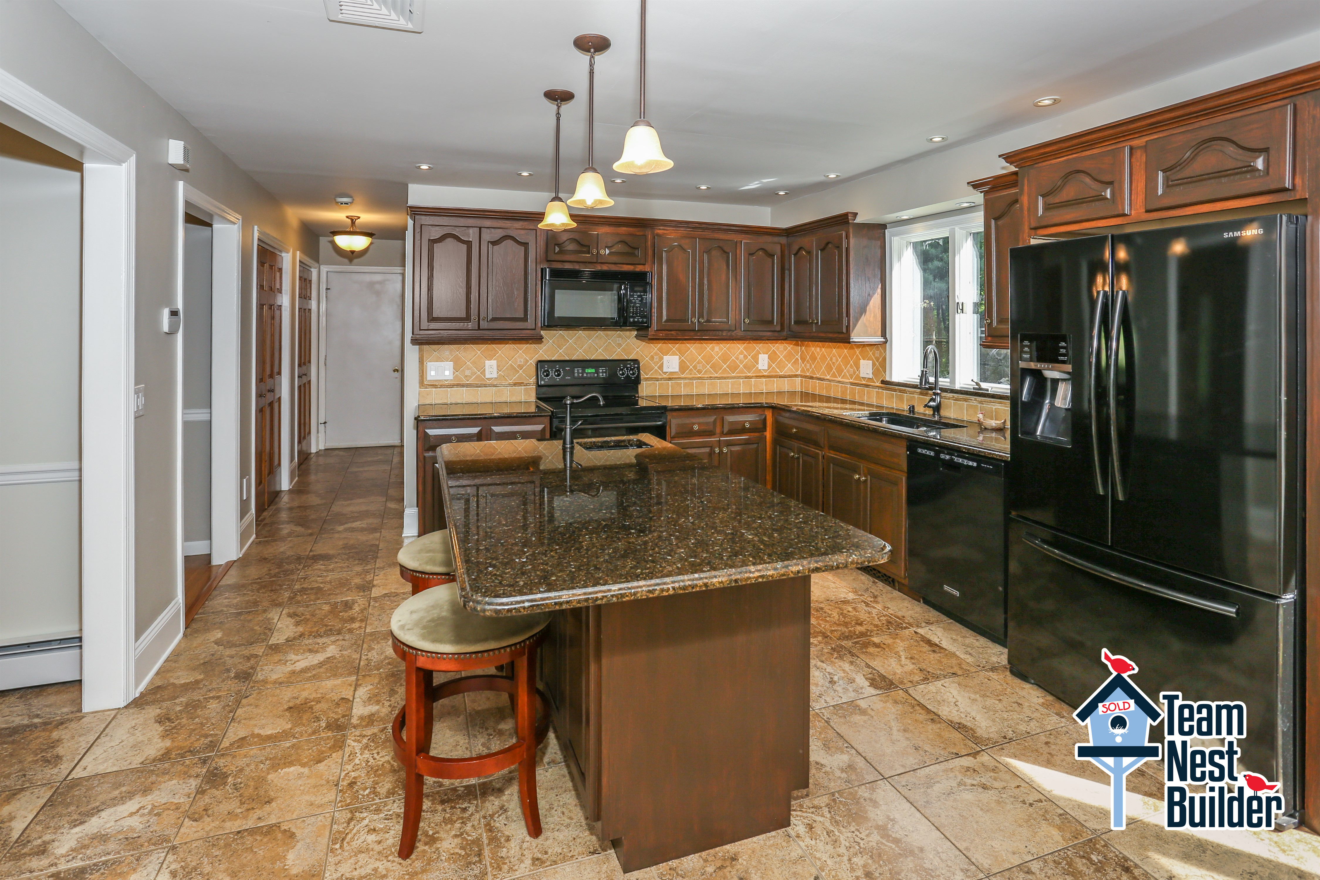 Check out this super kitchen!