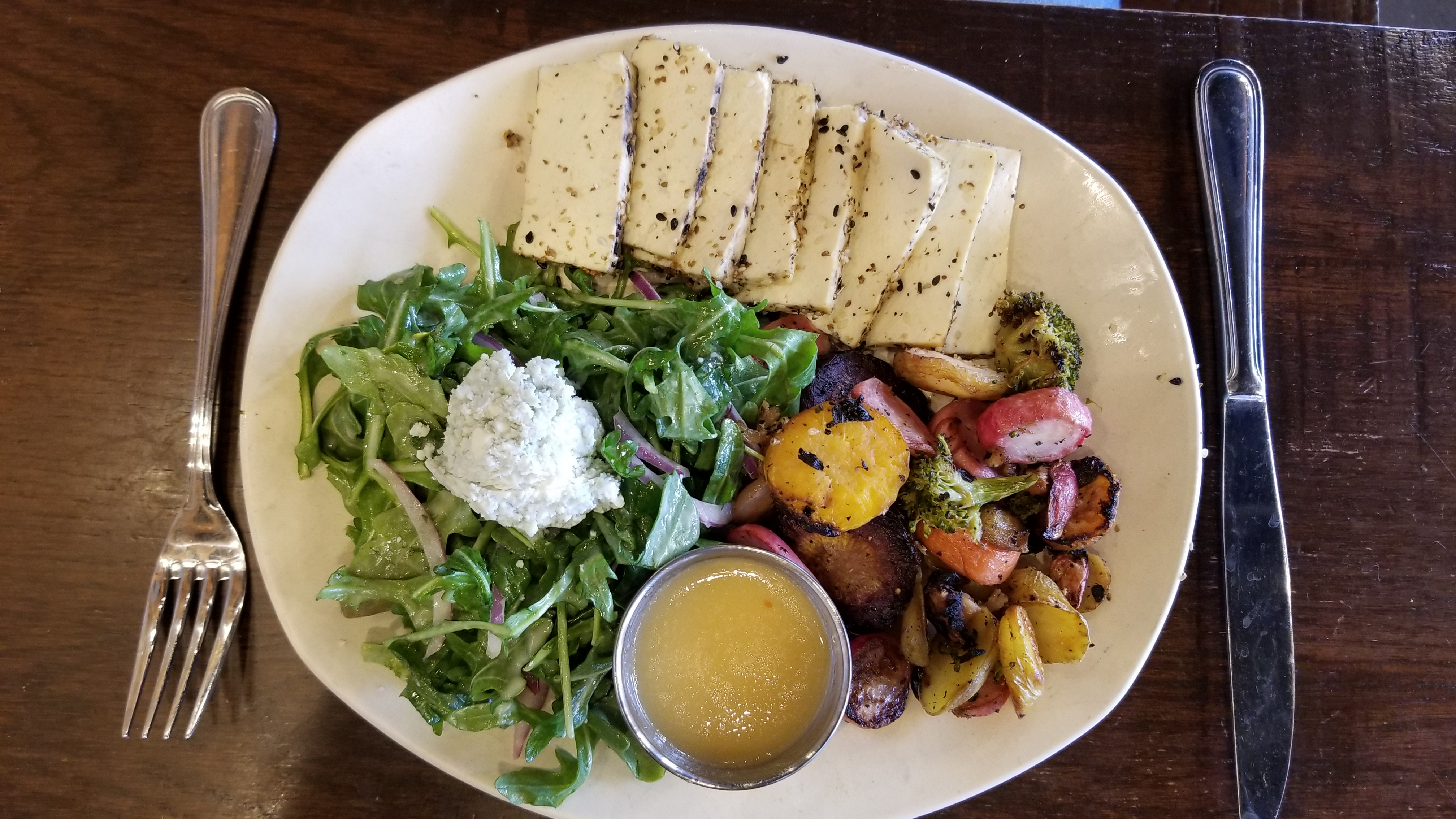 Tofu salad, fresh and delicious!