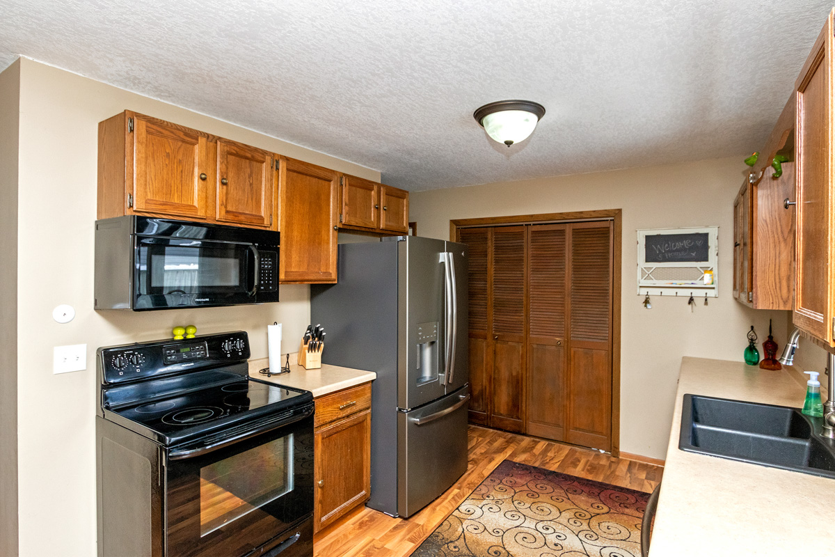 Kitchen, 3006 6th Ave NE Rochester MN 55906 home for sale