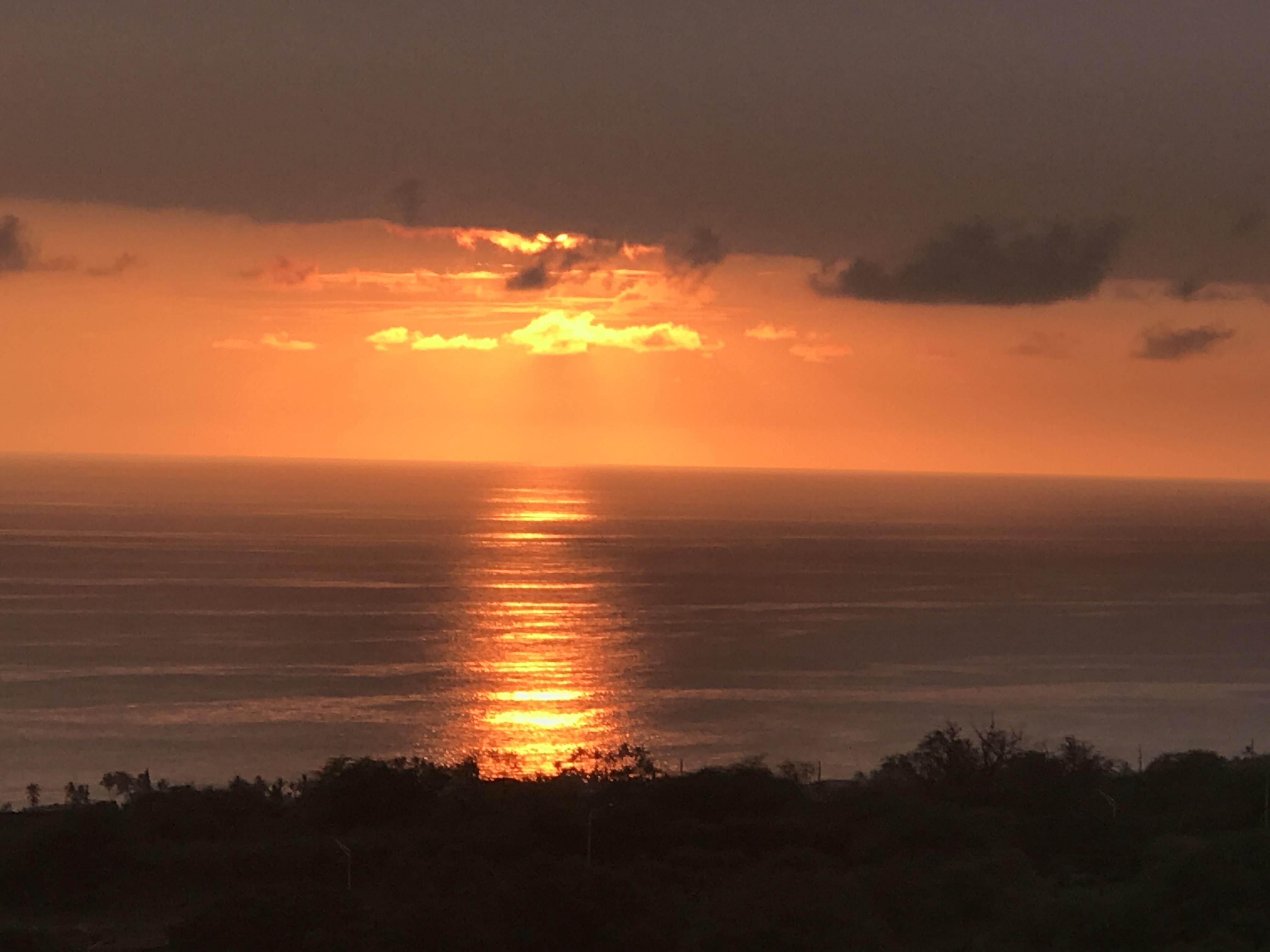 Kailua Kona, HI Sunsets 365 days a year