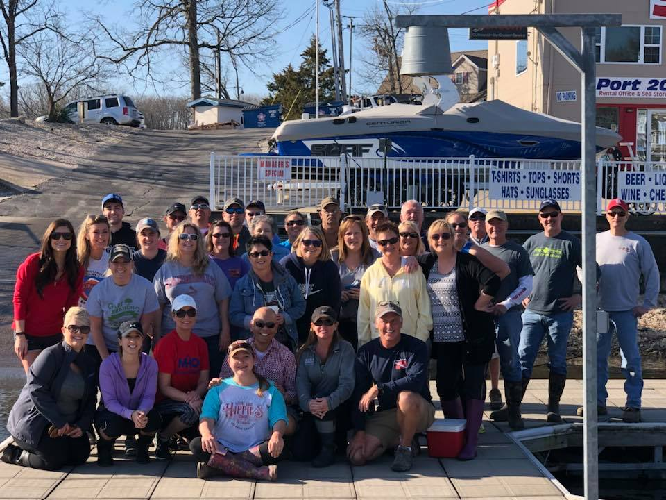 Realtors from the Bagnell Dam Association of Realtors participating in Shoreline Cleanup.