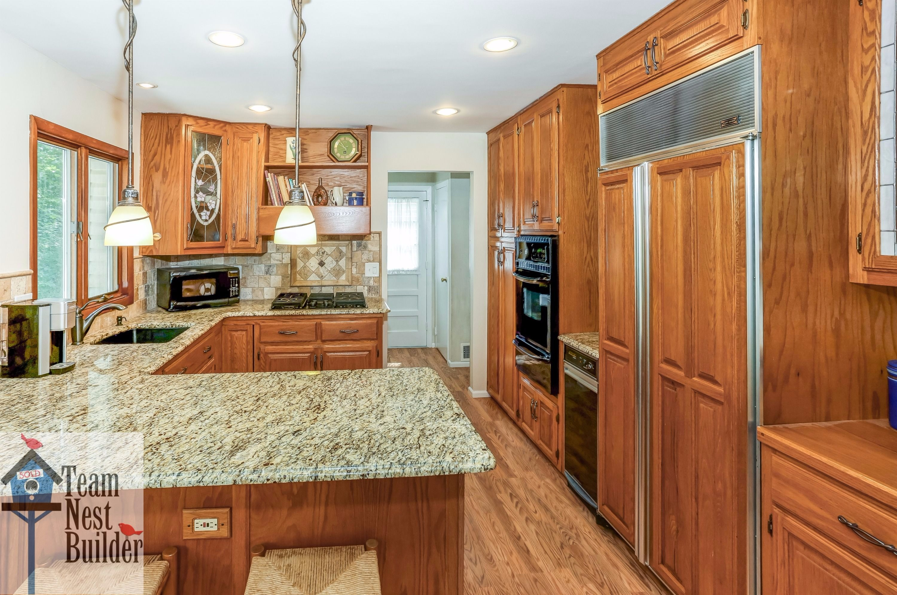 Fantastic updated kitchen with new appliances!