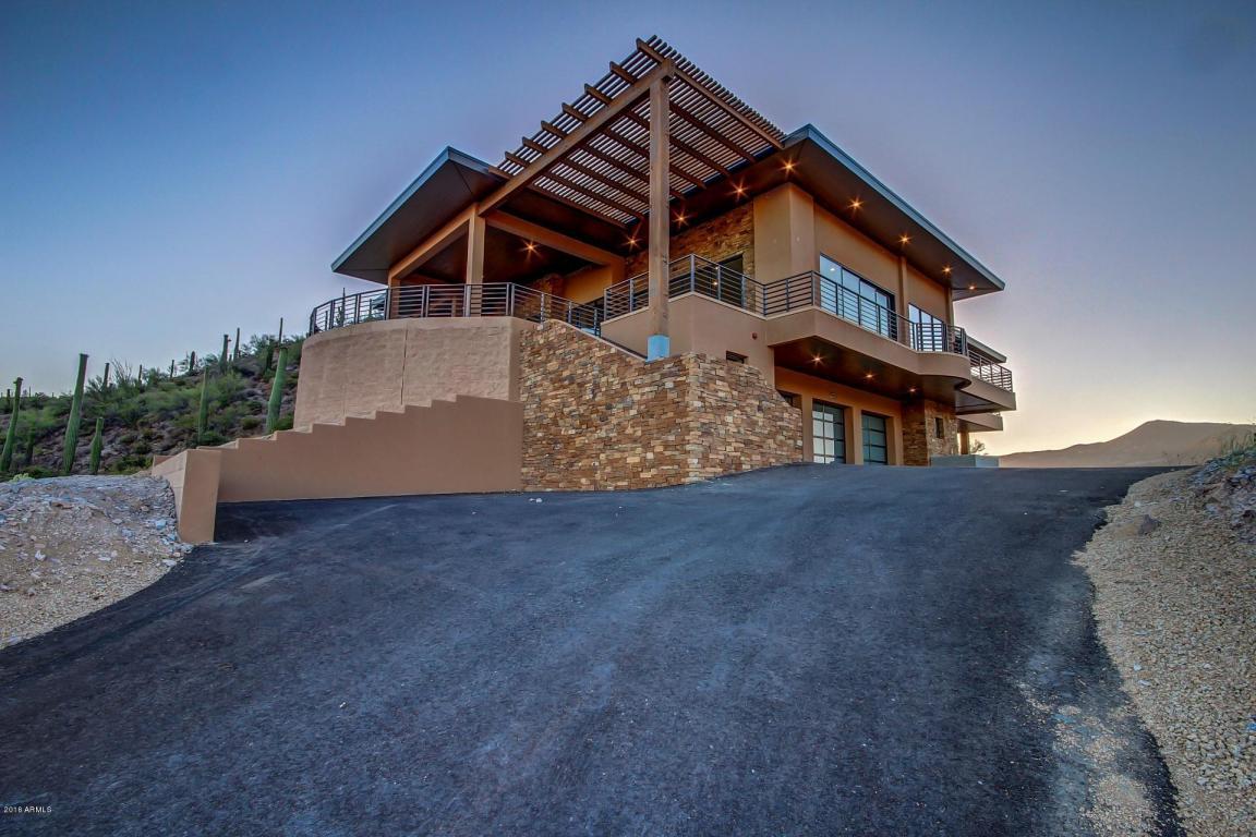 Cave Creek Contemporary home