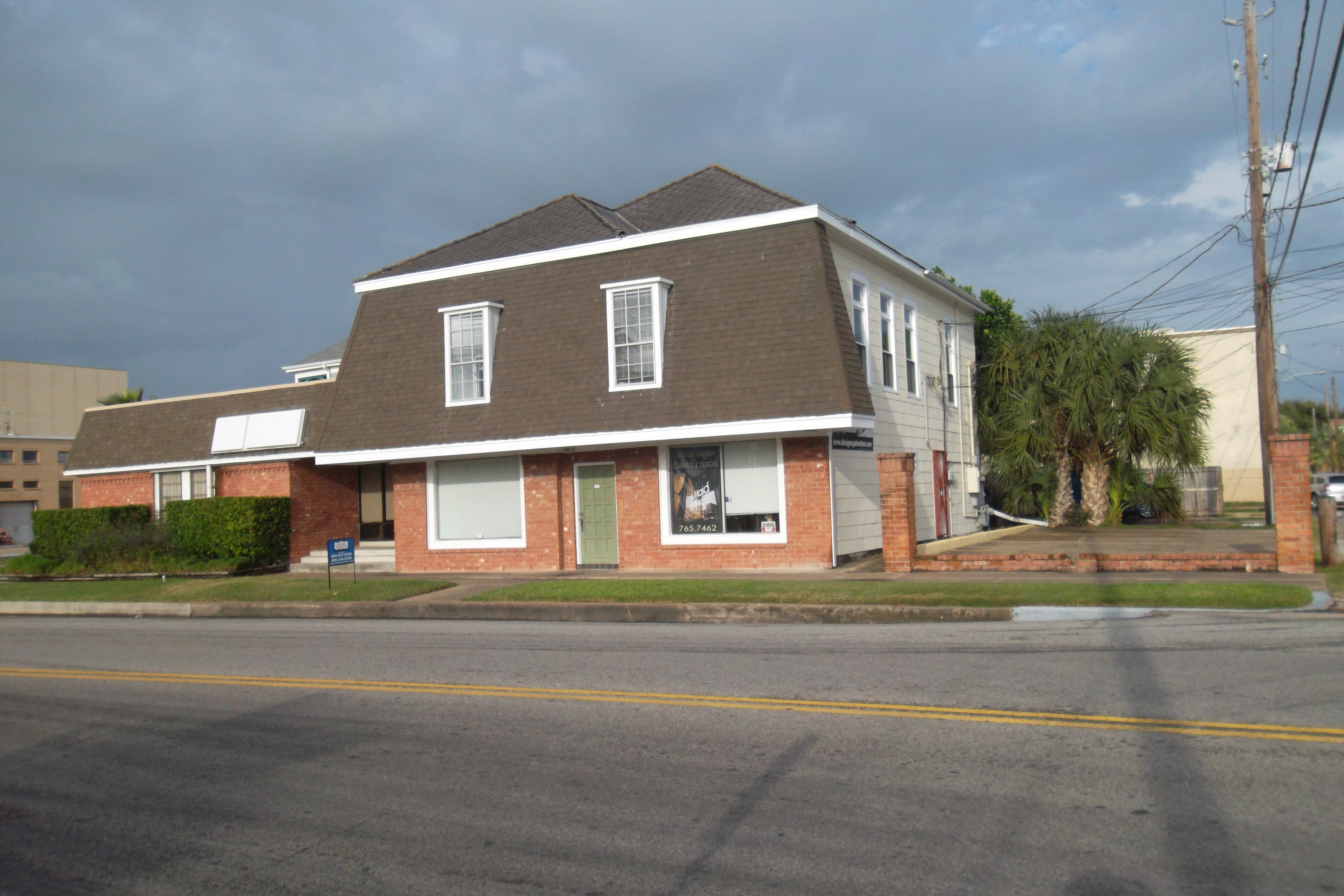 Front of 910 21st Street, <a href='https://www.advantagesold.com/index.php?types[]=1&types[]=2&areas[]=city:Galveston&beds=0&baths=0&min=0&max=100000000&map=0&quick=1&submit=Search' title='Search Properties in Galveston'>Galveston</a>