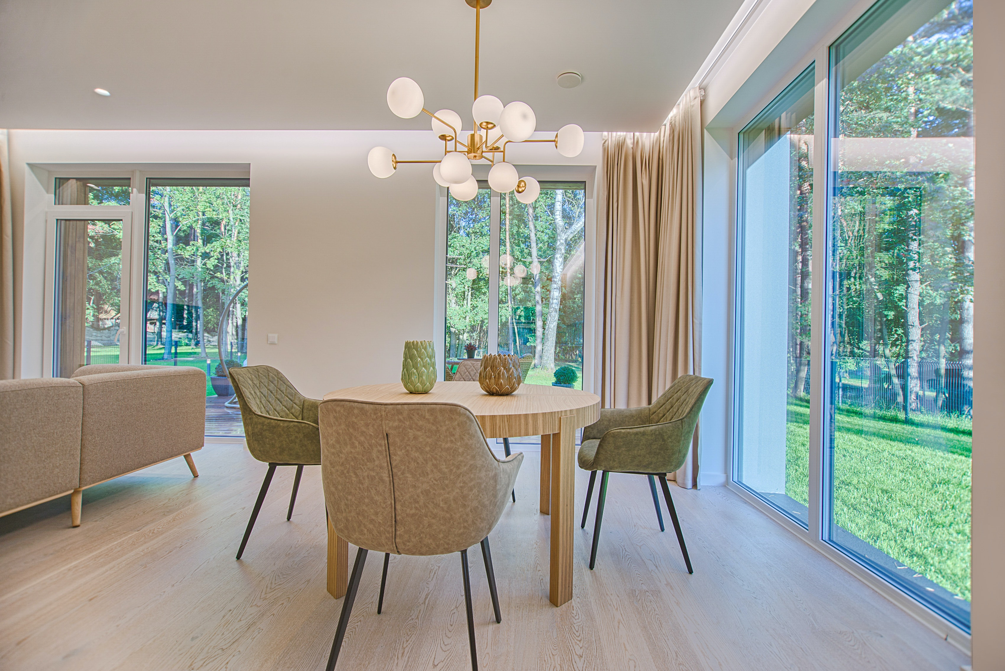 dining room with wooden table and 4 chairs