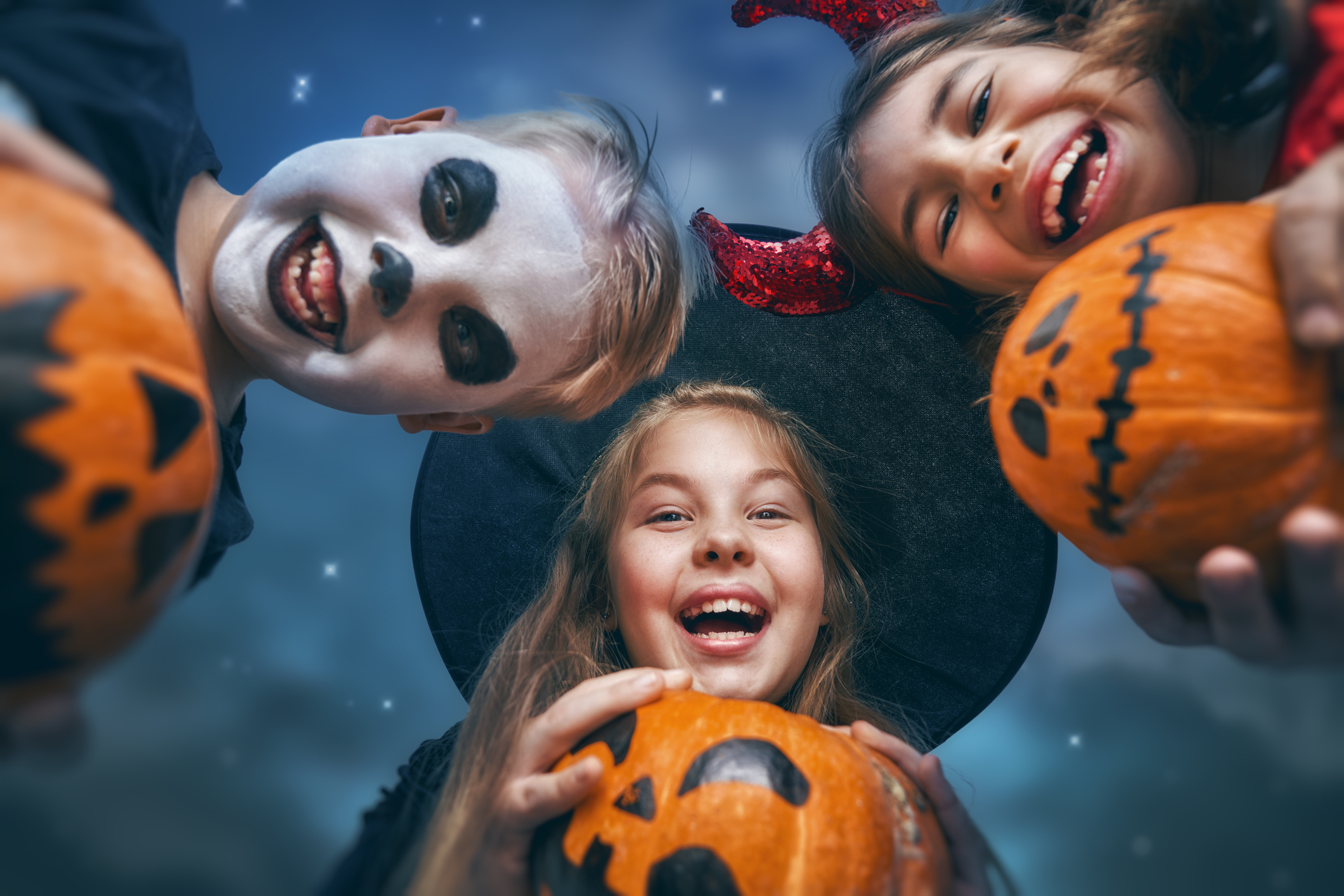 Find frightfully fun Halloween goings-on here!