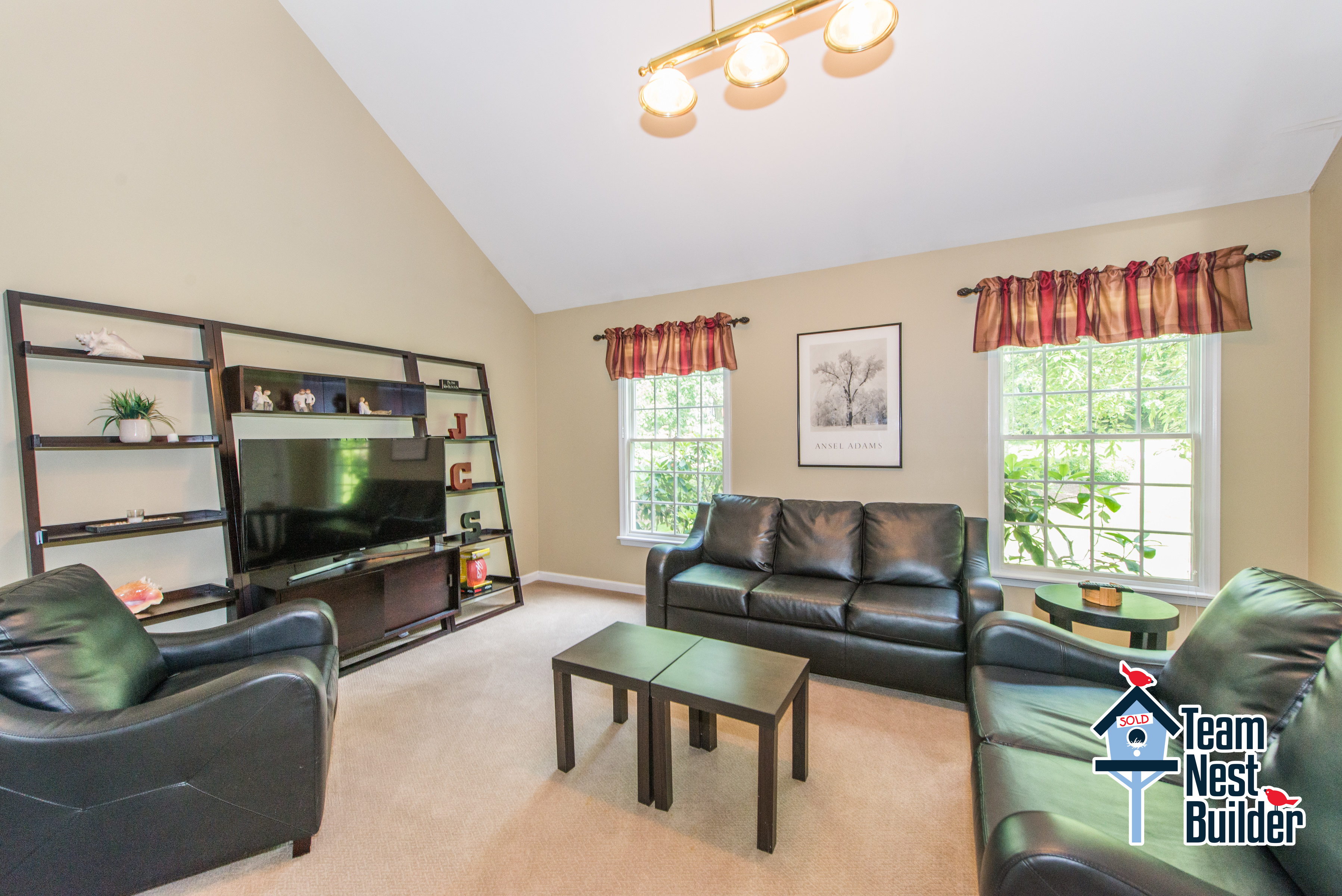 Make this bonus room into whatever your heart desires!
