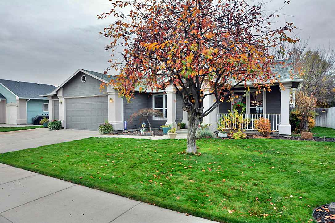 Homes for Sale in <a href='http://www.boiserealestateshop.com/index.php?types[]=1&types[]=2&areas[]=city:Meridian&beds=0&baths=0&min=0&max=100000000&map=0&quick=1&submit=Search' title='Search Properties in Meridian'>Meridian</a>