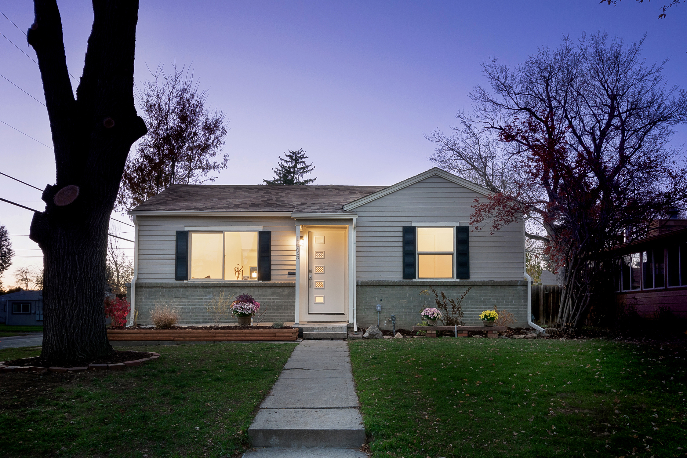 1695 S Madison St Denver, CO listed by Jason Peck 720-446-6301