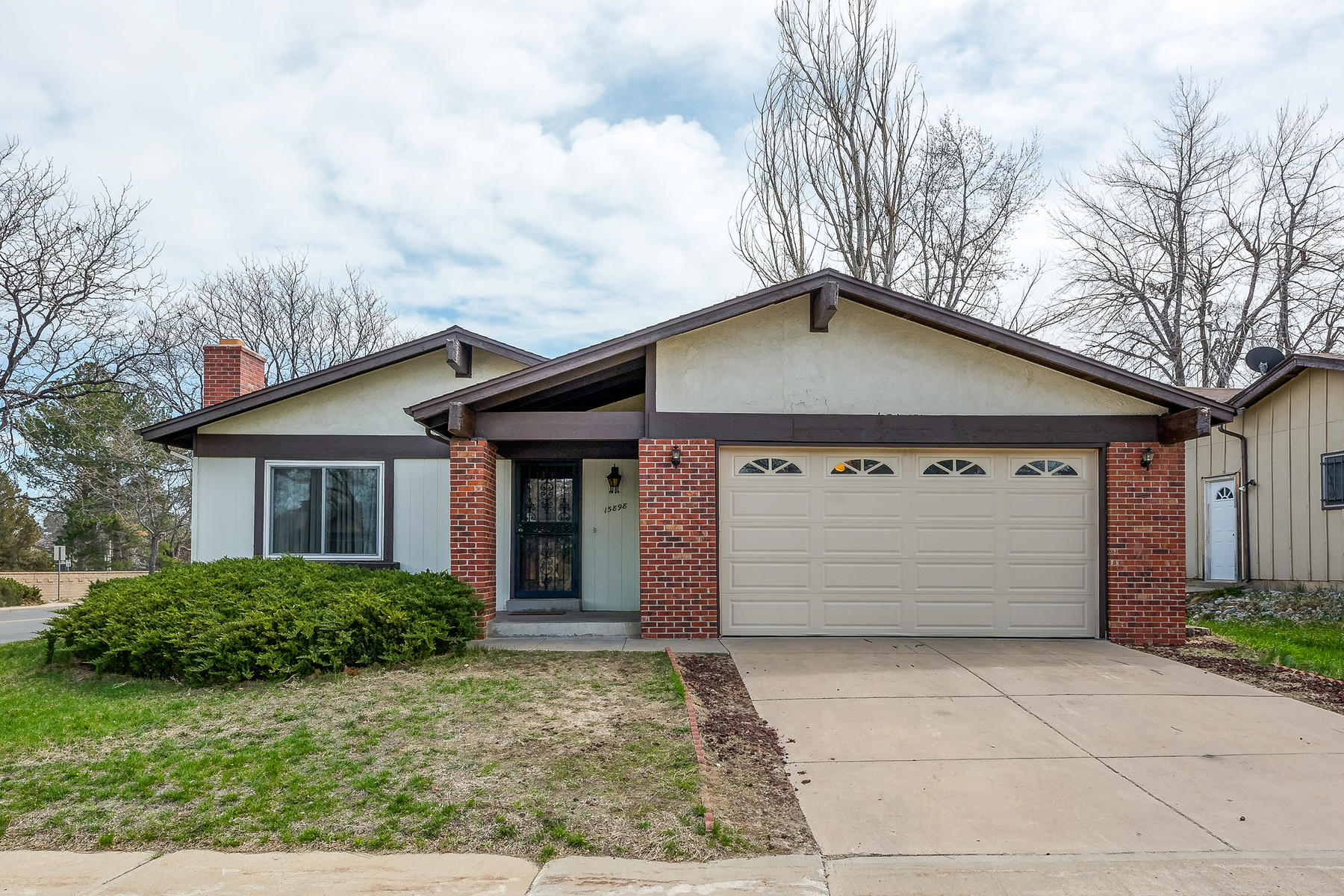 15898 E Kenyon Ave Aurora CO 80013 Listed by Jason Peck