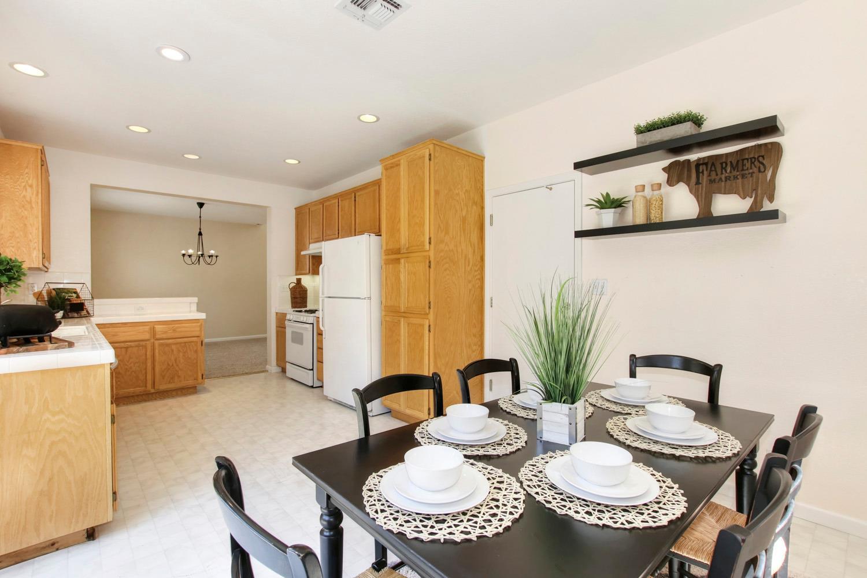1015 San Gallo Ter Davis Kitchen