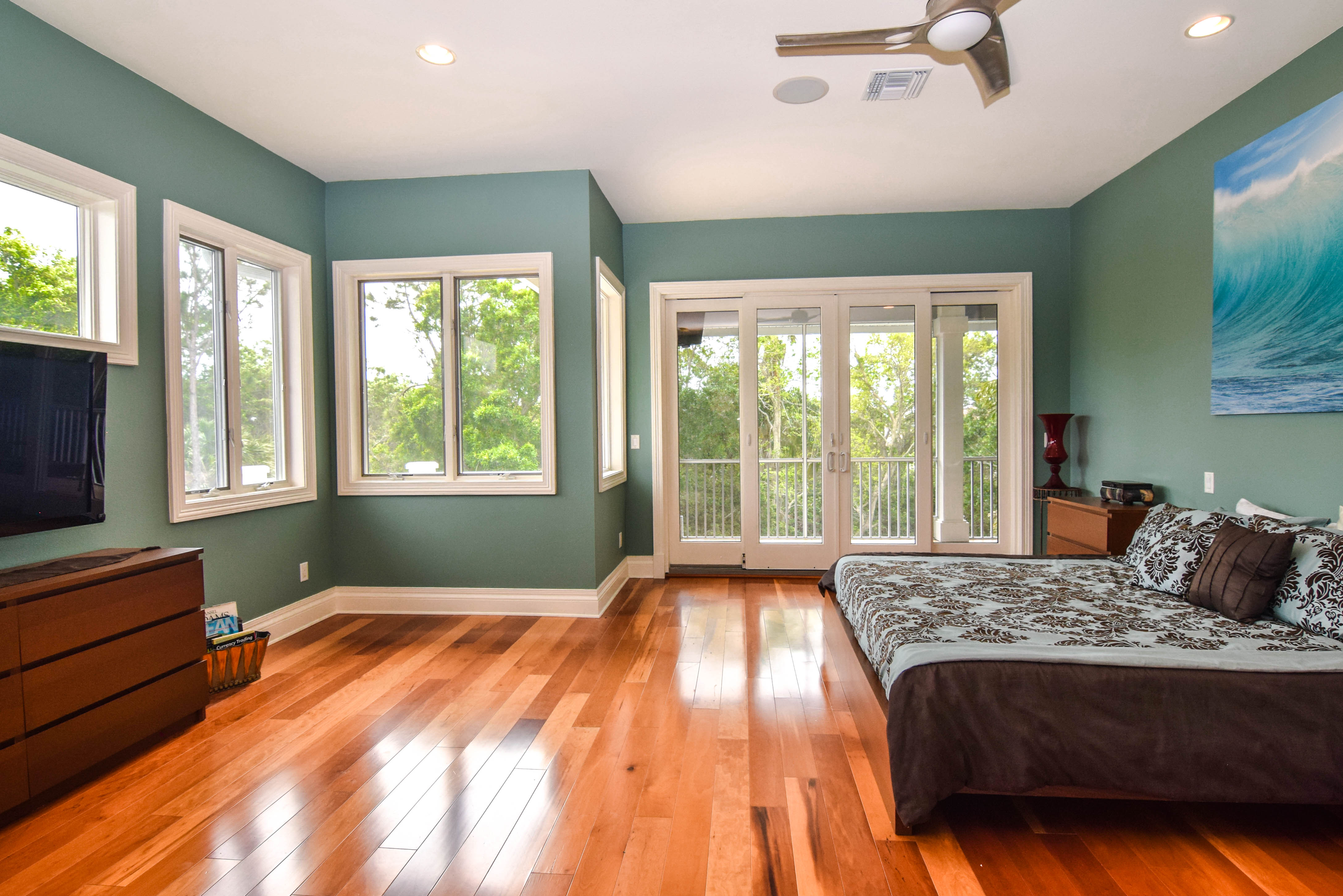 Master Suite and Screened Balcony